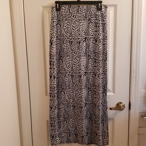 Loft Maxi Skirt Black & White Leaves Size Small